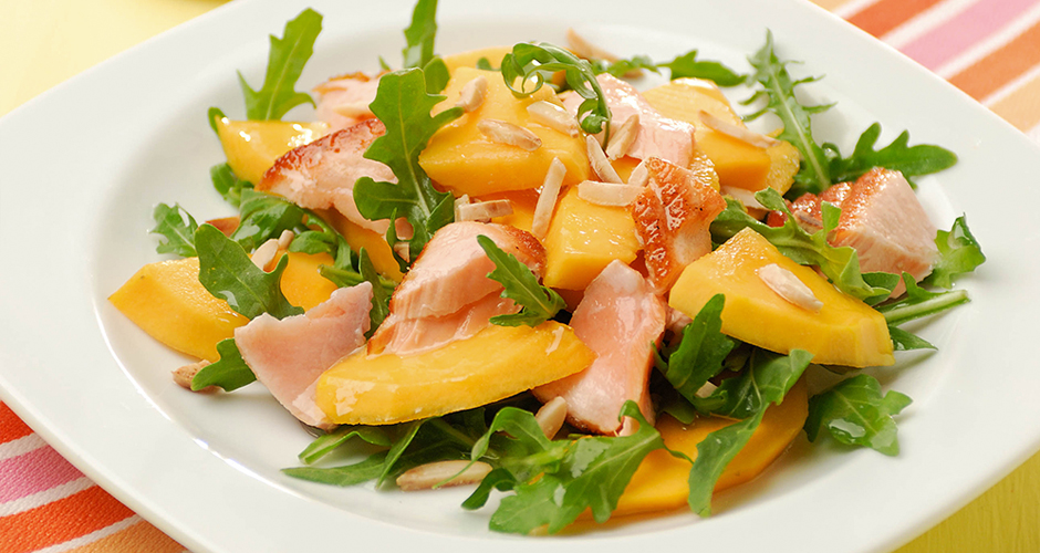 Yellow-Papaw,-salmon-and-rocket-salad